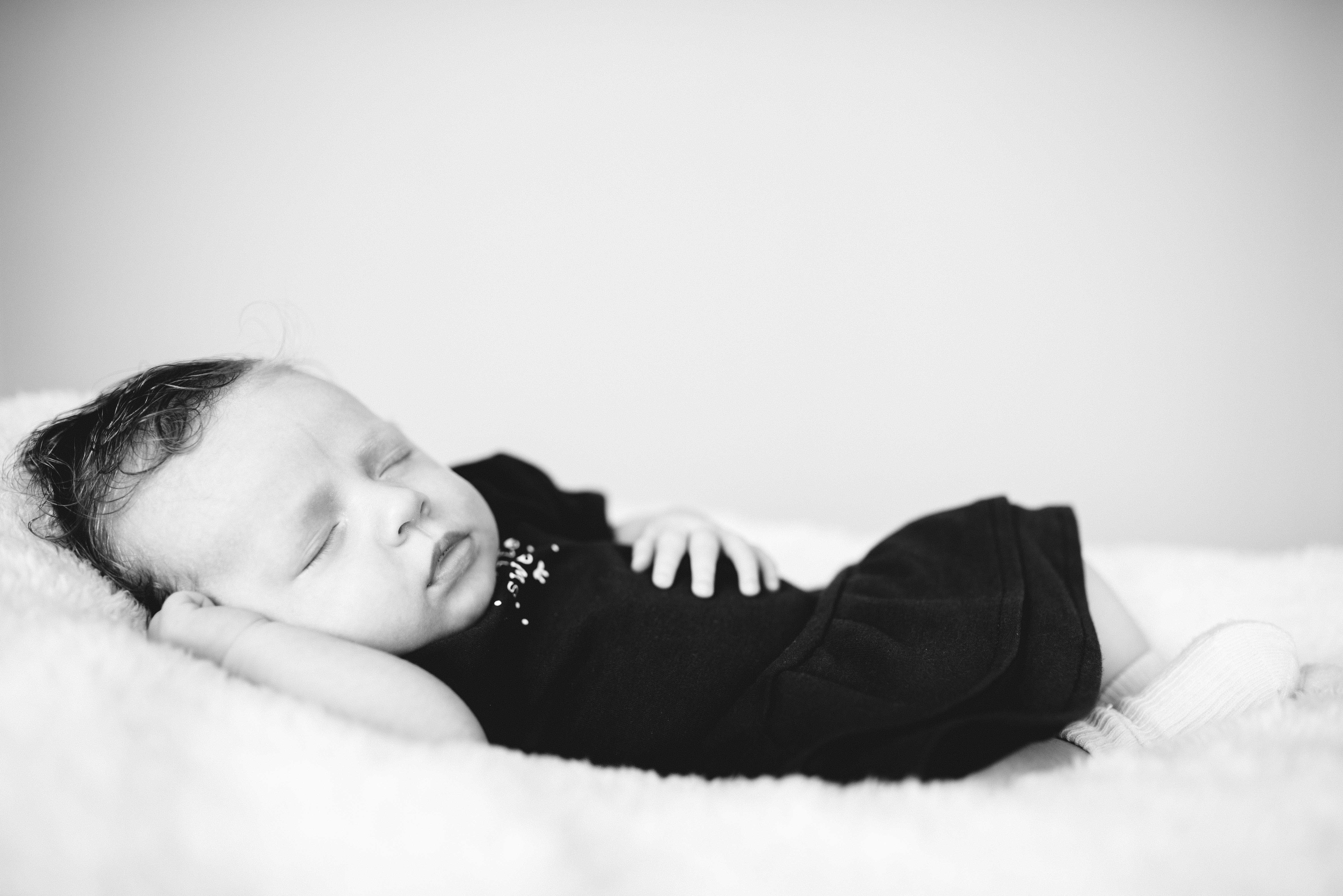 Lieve baby Lieke door Laurie Karine de fotograaf uit Oud-Beijerland (1 van 3)